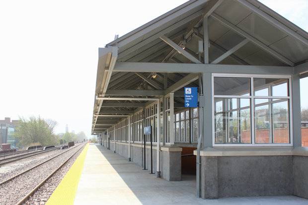 Riders wanted. Metra's outbound platform at the new Ravenswood Station will be open Monday.