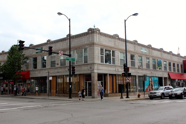 The upcoming Teavana Fine Teas & Tea Bar will be located at the corner of Diversey and Clark Street, according to reports.