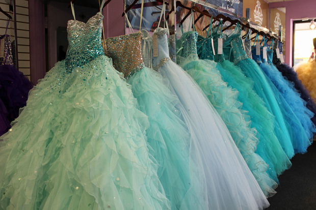 Little Village Becoming a Quinceanera Shopping Capital - Little ...