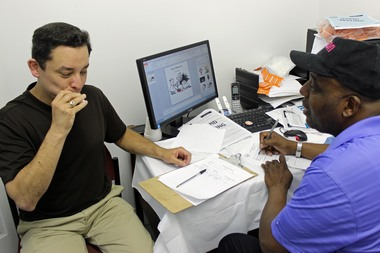 Ald. Raymond Lopez takes HIV test in Englewood.
