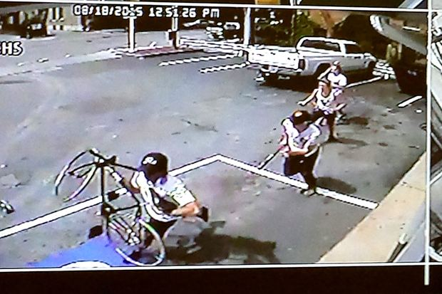 A gang of four allegedly beat up a man whom they say was trying to sell a stolen bike. The incident was captured on survelliance camera at Shell Gash Station.