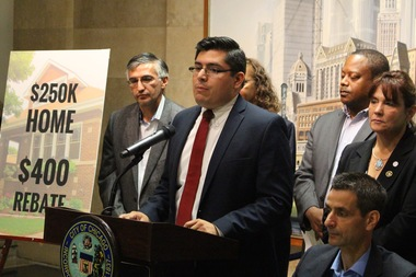Ald. Carlos Ramirez-Rosa cheered the rebate proposal as a suitable and progressive compromise.