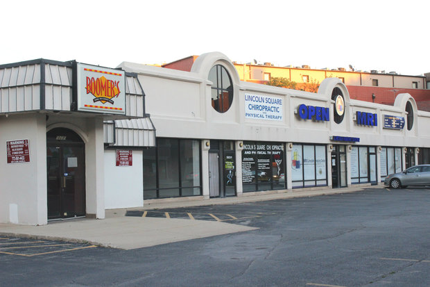 Pizza Hut is taking over a smaller storefront in the Boomer's strip mall, but not Boomer's itself.