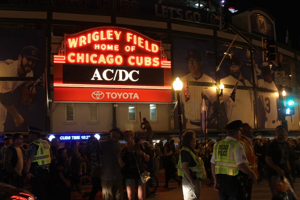Loudest Acdc Concert Didnt Quite Shake Wrigley Field All Night