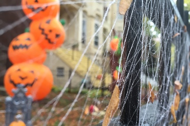Haunted houses, ghost stories, pumpkin carving — there's plenty of Halloween fun this weekend.
