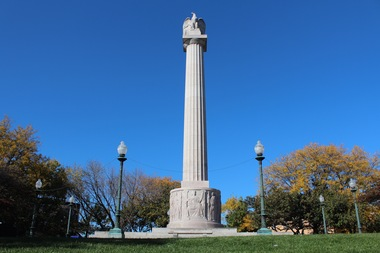 The Illinois Centennial Monument is getting its first checkup after 98 years.