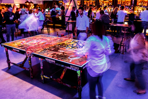 Bounce ping pong joins downtown 39 s table tennis frenzy for Table 52 chicago closing