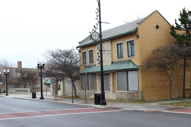 The former Beverly branch of the Chicago Public Library has been vacant since 2009. Barraco's is interested in the site as a potential banquet hall, but needs a liquor license first, Ald. Matt O' Shea (19th) said.
