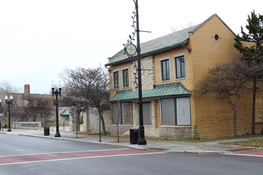 The former Beverly branch of the Chicago Public Library has been vacant since 2009. Barraco's is interested in the site as a potential banquet hall but needs a liquor license, Ald. Matt O'Shea (19th) said.