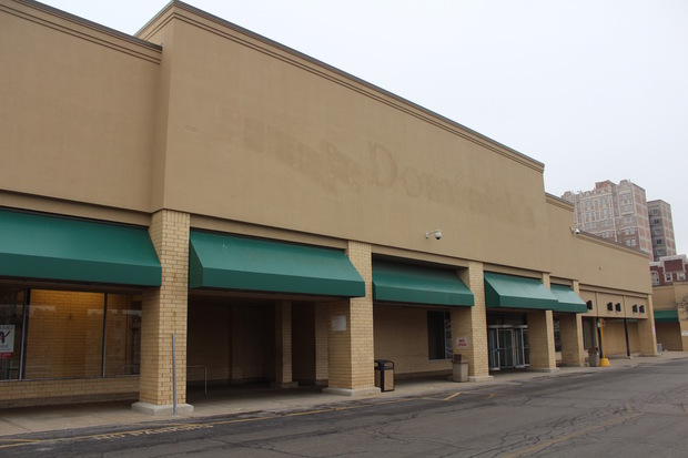 A new grocer was announced for the former South Shore Dominick's on Friday night.