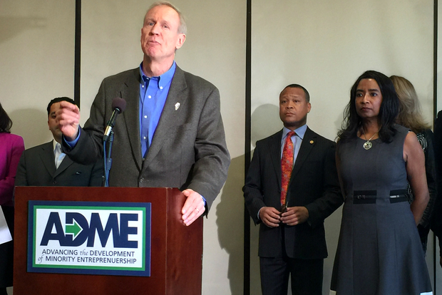 Gov. Bruce Rauner announces the Advancing Development of Minority Entrepreneurship pilot program at U.S. Bank in Pullman.