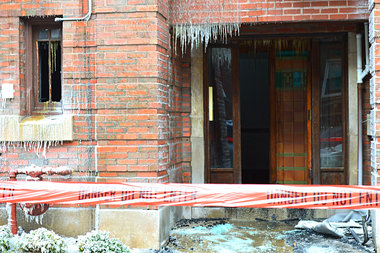 Hundreds of icicles hung where fire crews had battled the 2-11 alarm blaze last Monday.