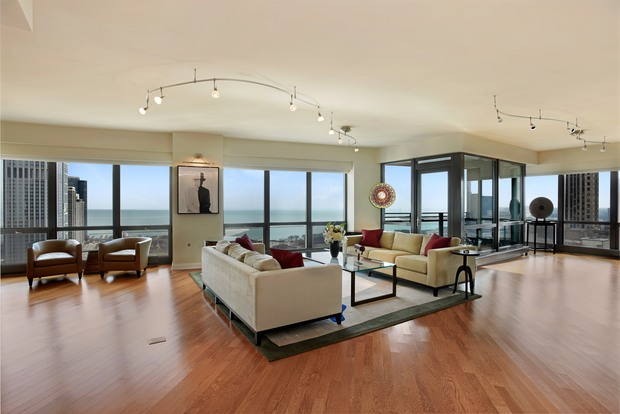three bedroom luxury downtown condo listed for 1 850 000 the loop chicago dnainfo