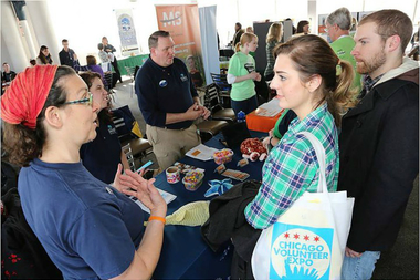 People seeking volunteer work at a past Chicago Volunteer Expo