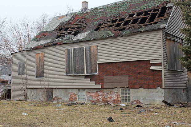City crews tore down 42 percent more vacant homes in 2017 than the year before, as officials redoubled their efforts to prevent the empty buildings from creating blight and attracting crime, officials said Thursday.
