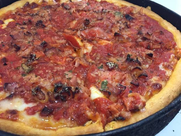 Gino S East Opening In Pilsen Friday With Carnitas Pizza