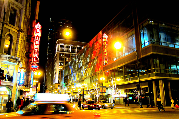 Two new hotels coming downtown including one on top of for Best hotel chicago downtown