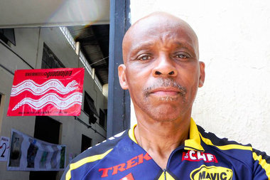 Longtime Chicago bike advocate Waymond Smith is riding from Vancouver, Canada to Tijuana, Mexico.