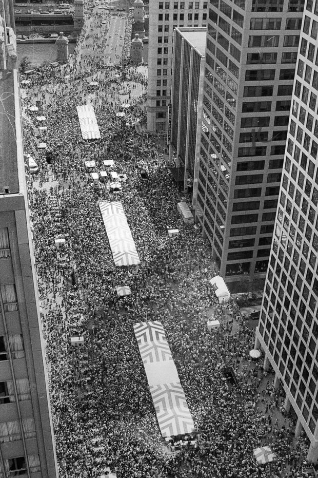 More than 250,000 people came to the first Taste of Chicago, on July 4, 1980, on Michigan Avenue.