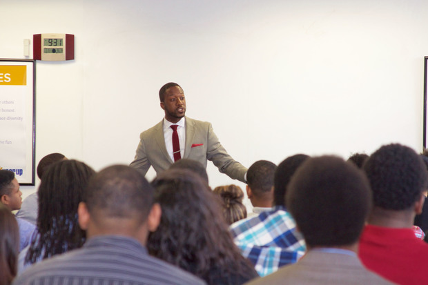 Jamal Jackson speaks to Year Up Chicago students on Friday.