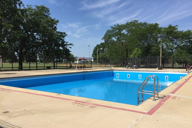 Mount Greenwood Park Pool Gets Overhaul Ahead Of Friday Debut Mt Greenwood Chicago Dnainfo