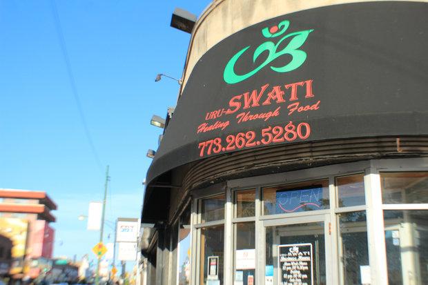 Uru Swati Is A Vegetarian Restaurant In Devon Avenue They Are Known For Their South Indian Menu Dnainfo Aishwarya Ar
