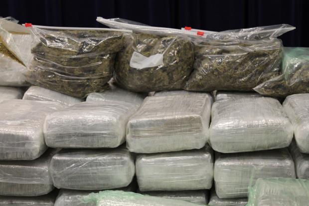 Police Drug Bust In North Lawndale Nets Heroin Pcp Pot