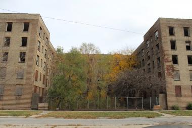 Opened in 1930, the Rosenwald Apartments at 47th Street and Michigan Avenue provided elegant and affordable housing for middle-class blacks and black celebrities in its heyday, but fell into disrepair.