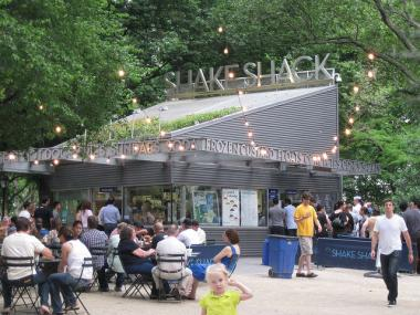 Shake Shack is reportedly making a move to open in Grand Central.