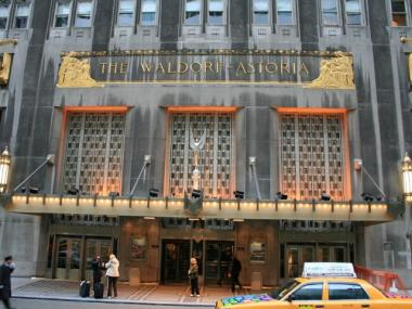 Owners want to redesign the overhang that frames the iconic Waldorf Astoria hotel.