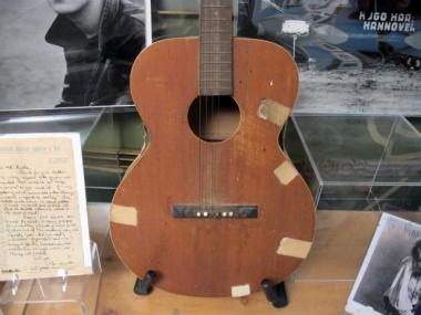 Elvis' first guitar could fetch hundreds of thousands of dollars at Guernsey's rock 'n' roll auction on Sept. 24 and 25, 2011.