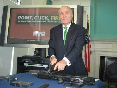 Police Commissioner Ray Kelly holds a Ruger 9mm, the same gun used to shoot and kill police officer Peter Figoski.