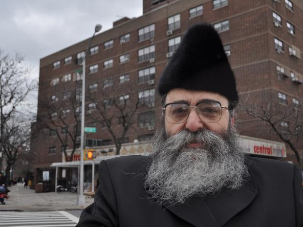 Brooklyn rabbi David Niederman expressed his anger to Police Commissioner Ray Kelly Wednesday that Julio Acevedo was let out of jail just weeks before he allegedly slammed into a livery cab in Williamsburg, killing a young hasidic couple inside and their unborn son.