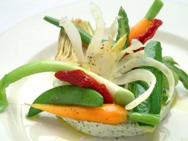 On the Upper East Side Lumi offers on its gluten-free menu steamed vegetables with homemade herbed goat cheese.
