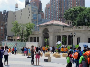 In August of 2011, the north plaza in Union Square played host to a Boys and Girls Clubs event featuring singer Kelly Rowland. Park advocates worry that a restaurant in the pavilion would limit such events in the park.