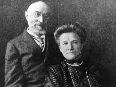 Isidor and Ida Straus, in 1910, two years before they died side by side on the Titanic.