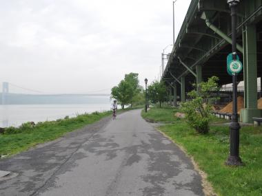 The southern end of the Greenway, along the Hudson River, in Fort Washington Park.