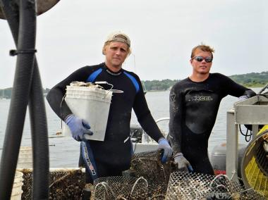 Mermaid's Garden community-supported fishery works with small boat fishermen such as Montauk Shellfish Company who use sustainable methods to catch seafood.