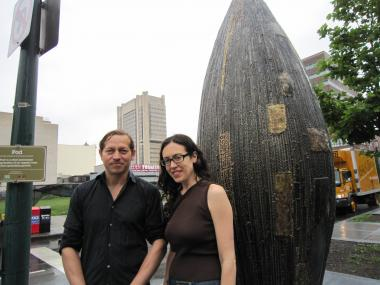 Pedro Villalta, a sculptor and a welder who designs art and furniture, created 'Pod.' He and Montserrat Daubón, another artist who is a painter and a sculptor, organized and publicized the project.