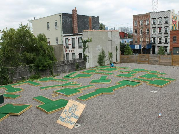 Brooklyn Crab in Red Hook is hosting a mini-golf tournament Saturday afternoon, with all entry fees going toward Restore Red Hook, which is helping neighborhood brick-and-mortar businesses recover from the superstorm, Brooklyn Crab owner Jamie Vipon said.