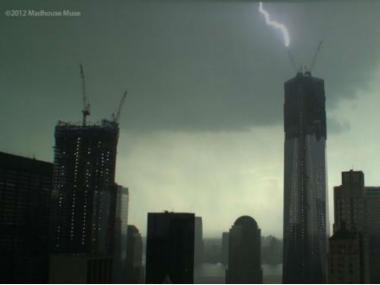 Lightning strikes 1 WTC