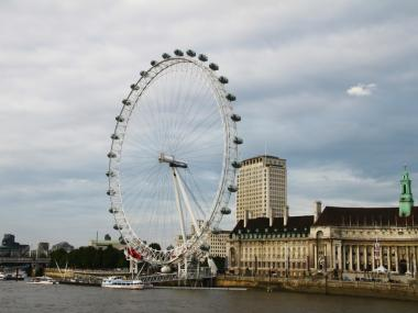 The city is in talks to build the world's largest Ferris wheel on a plot of land near the Staten Island Ferry Terminal, St. George. If built, the wheel would be 157 feet taller than the famous London Eye.