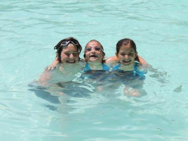 Omar, Leyla and Emma Derisevic come to the Astoria Pool every year.