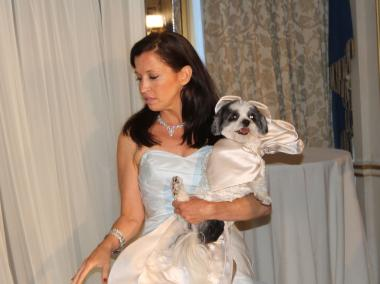 Hundreds turned out to see Wendy Diamond marry off her Coton de Tulear Baby Hope to a Virginia poodle.