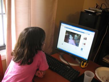 DNAinfo asked the experts about children and social media, often a challenging issue for parents to navigate.