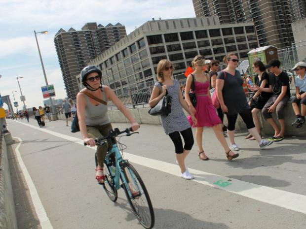 Politicians want to widen the Brooklyn Bridge walking and biking path.