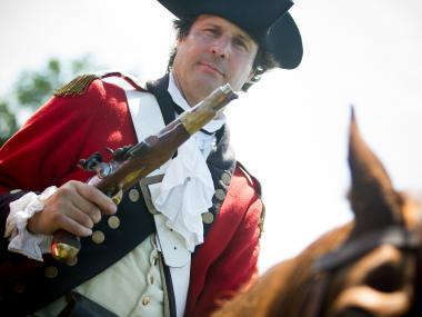Revolutionary War re-enactors will flood Green-Wood cemetery on Sunday, Aug. 27 to replicate the historic Battle of Brooklyn.