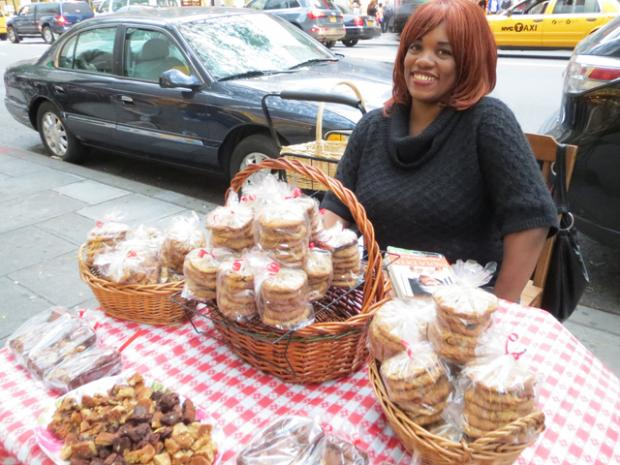 Some UES residents want street vendors to use matching furniture, they said at a recent meeting.