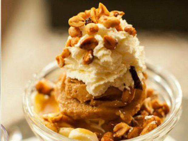 As the weather gets cooler, local eateries offer new fall-inspired desserts.