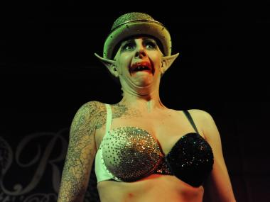 Hotsy Totsy's Halloween-themed burlesque show landed at R Bar Tuesday night.